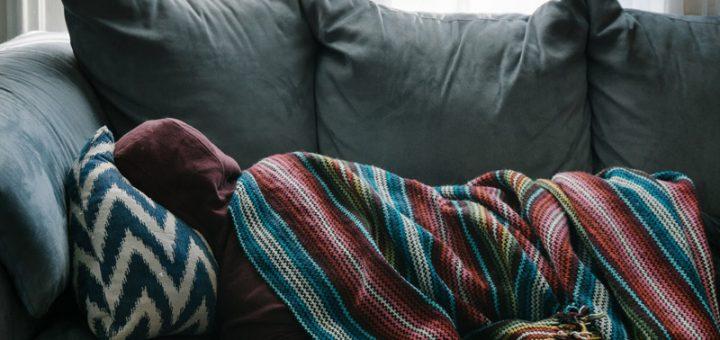 Veja a diferença de Hotel, Airbnb, CouchSurfing e Hostel