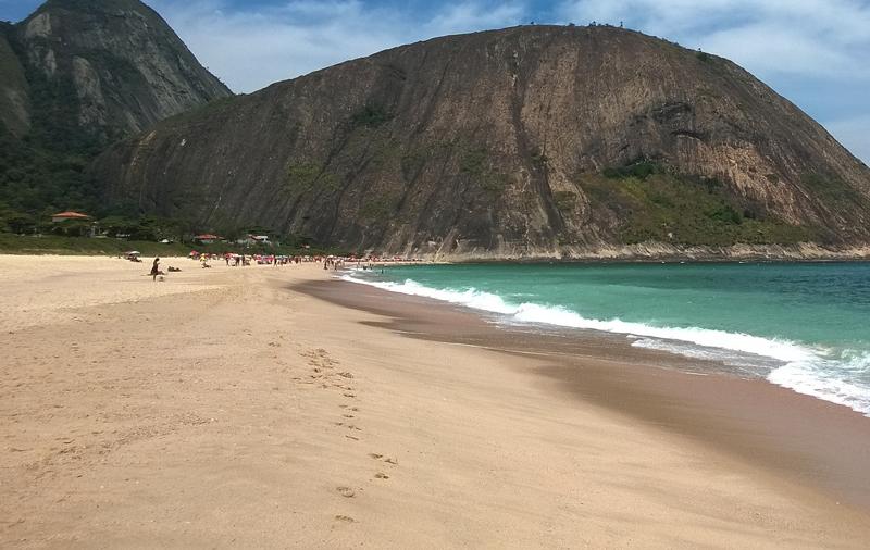 As 10 melhores praias do Rio de Janeiro - praia de Itacoatiara