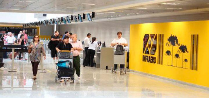 Adolescente burla esquema de segurança e embarca em voo de Curitiba para São Paulo